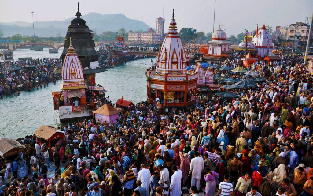 Devotees taking holy bath in the river Ganges during Maha Shivratri in Haridwar