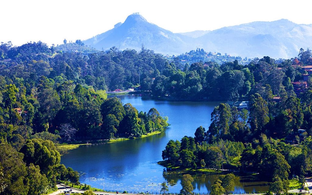 A view of Kodaikanal lake from the upper lake view point