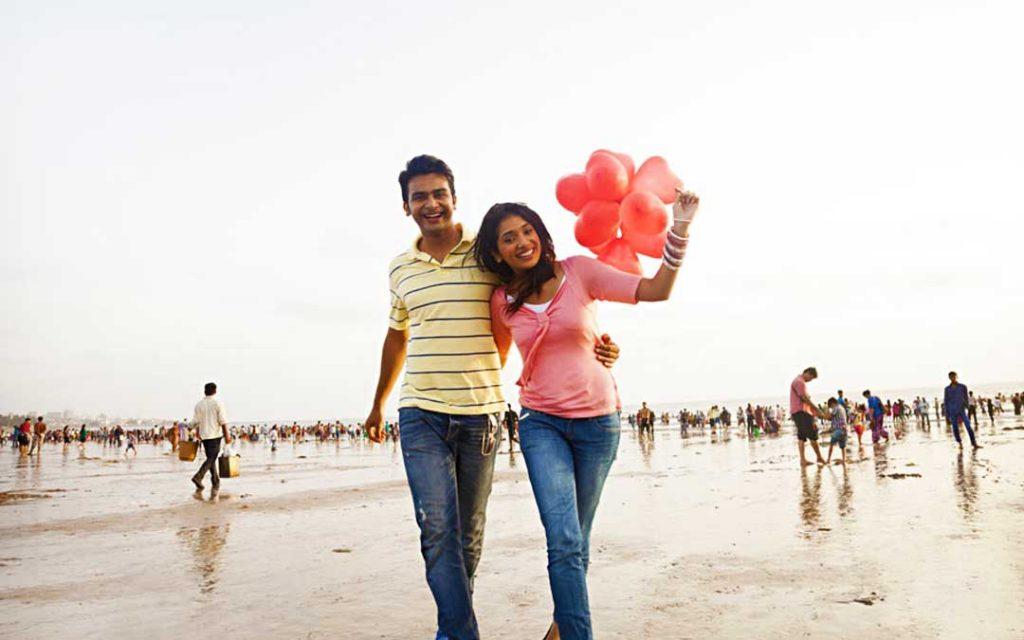 Romantic couples spending happily in Chennai beach