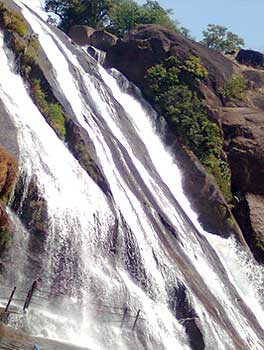 banatheertham-falls