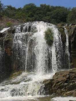dumukurallu-water-falls
