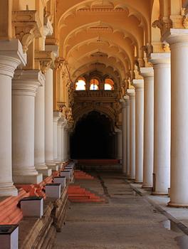 thirumalai-nayak-palace