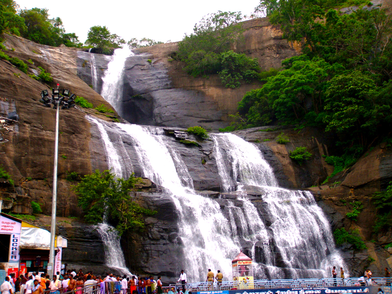 waterfalls in tamil nadu