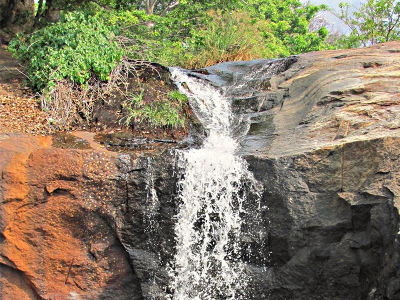 Kumbakkarai Waterfalls